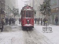 İstanbul`da Kar Yağışı Yeniden Başladı