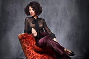 Esperanza Spalding Radio Music Society / Lyambiko