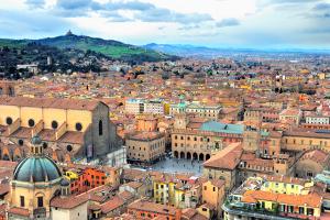 Pegasus, İtalya'da Roma ve Milano'dan Sonra Bologna'ya Uçuruyor