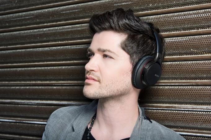 Sony'den Yeni MDR-10 Kulaklıklar