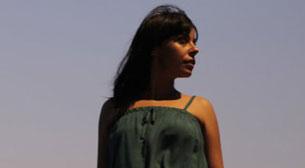 Eliza Hull - Aysu Çöğür - 4. Dünya