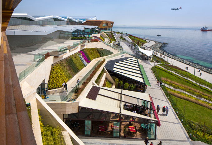 İçinden Deniz Geçen Alışveriş Merkezi Aqua Florya!