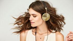 Kadınlar İçin Müzik Dinlemek Hiç Bu Kadar Çekici Olmamıştı