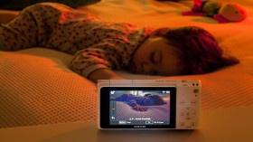 Samsung NX Mini'nin 'Bebek Monitörü' Özelliği İle Her An Bebeğinizin Yanındasınız