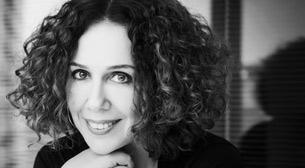 Curious Community: Zeynep Özbatur Atakan - Yapımcı Ne İş Yapar?