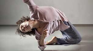 Dans Gösterisi: Kendinden Uzak