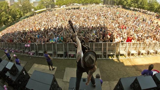 Red Bull Tv, 'Lollapalooza Festival'i Ayağınıza Getiriyor!
