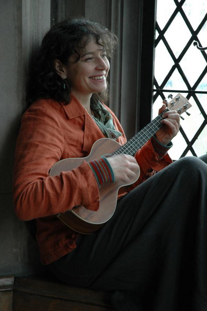 Avea Sıra Dışı Müzik Konserleri 5. Yıl: Brenna MacCrimmon