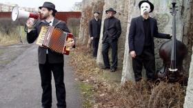 musical crossings: Daniel Kahn feat. Bandista