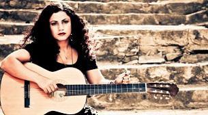 Hayal Kahvesi Shining Stars Sunar: Emel Mathlouthi