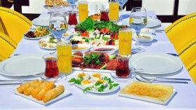 Boğaz'ın Eşsiz Manzarasında Benzersiz Bir Kahvaltı