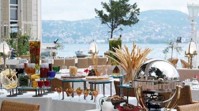 Her Pazar Boğaz'a Nazır Kahvaltı Keyfi