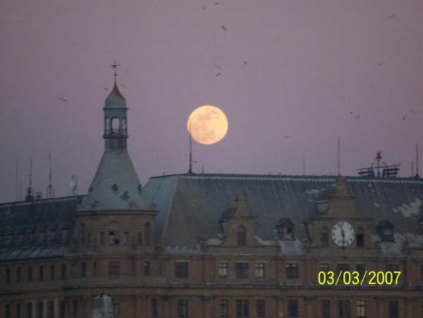 Haydarpaşa`dan Ay Doğarken - Ceyhun Gökalp