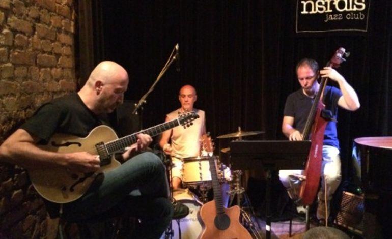 Yavuz Akyazıcı Trio