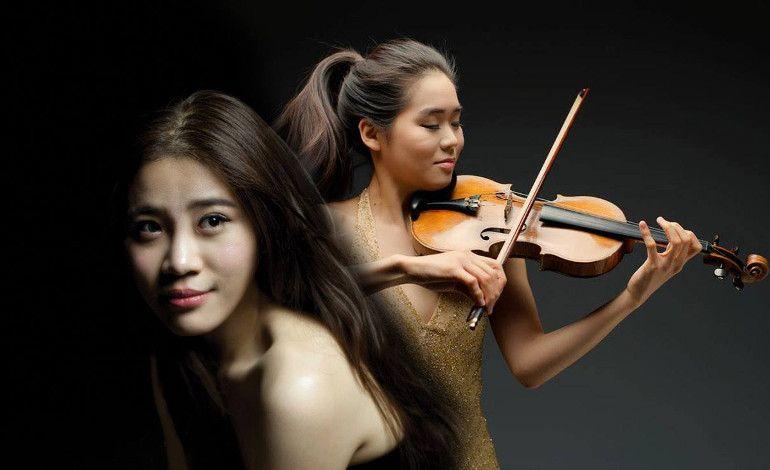 Esther Yoo & Zhang Zuo