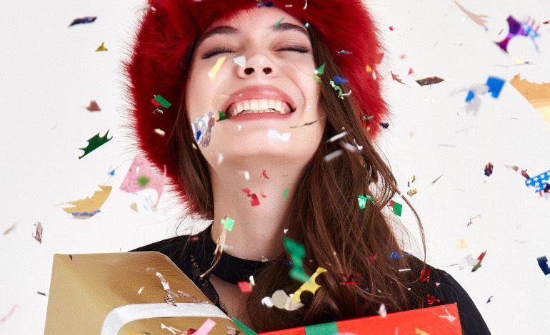 Oxxo Yeni Yıl Koleksiyonu ile Partinin Tüm Işıltıları Üzerinizde
