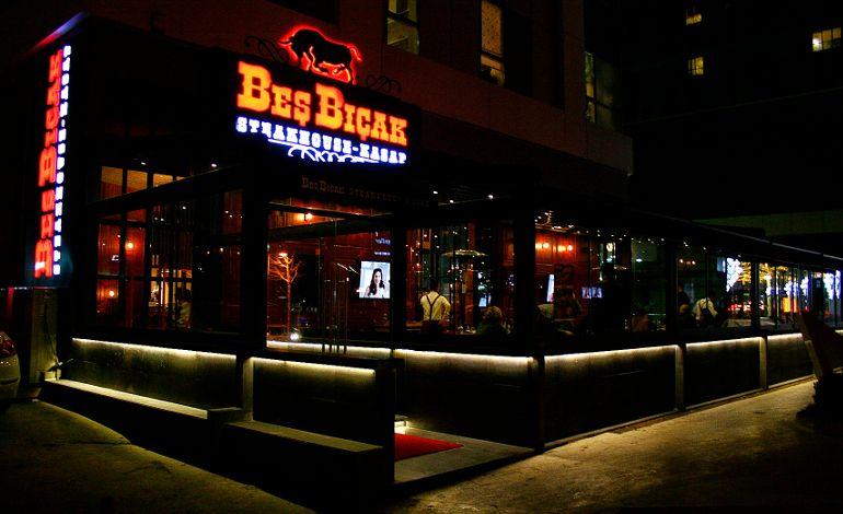 Beş Bıçak Steakhouse'dan Sevgililer Gününde Beş Taş Pırlanta…
