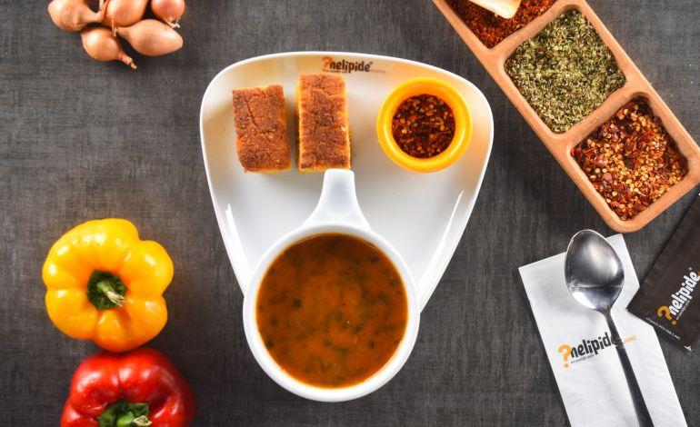 Karalahana çorbası 'Nelipide Gurme'de
