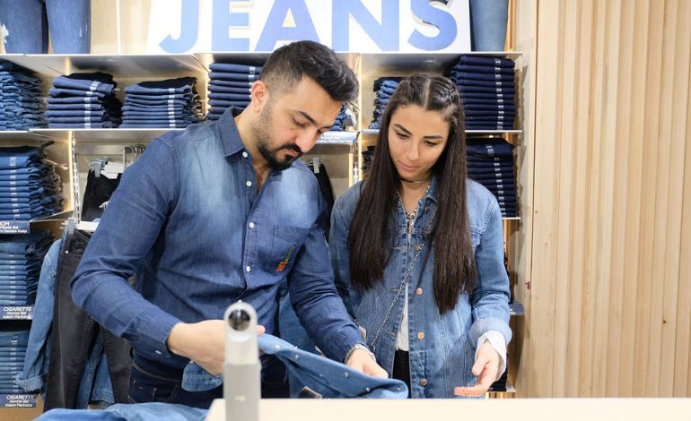 İstanbul Moda Haftası Boyunca Jeanlerinize Defacto ile Stil Katın