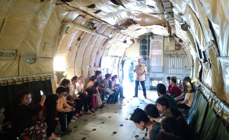 İstanbul Havacılık Müzesi'nde Koruncuklar İçin 23 Nisan Etkinliği