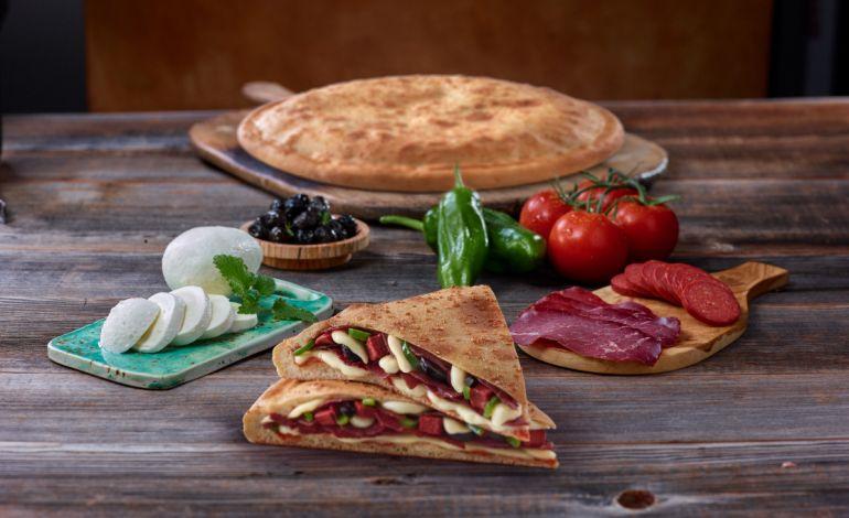 Little Caesarstan Bir Ilk Daha Pide De Pizza Yeme Içme