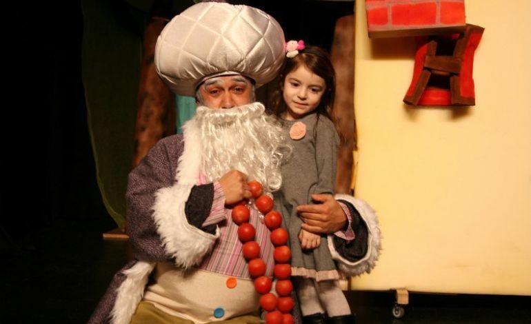 Çocuklar Bez Okul Çantası Boyayacaklar Tiyatro İzleyecekler