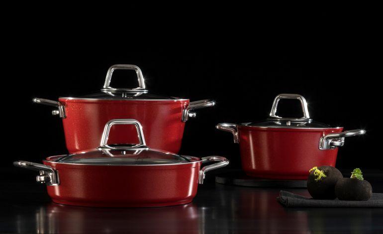 Kırmızı Ateşi Mutfakları Sarıyor
