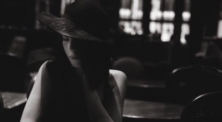 Siyah Şapkalı Kadın -Akustik Konser