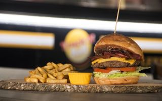 Truck'n Roll Burger ile Lezzete Yolculuk!