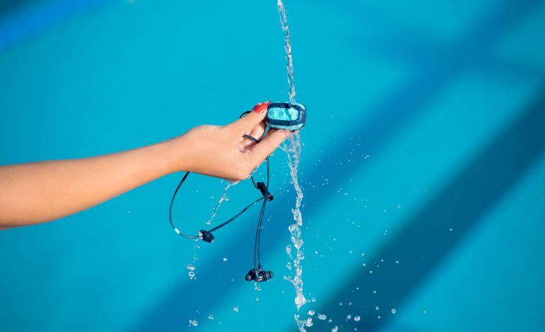 Su Geçirmez MP3 Çalarıyla Yüzme Keyfinize Müzik Eklendi!