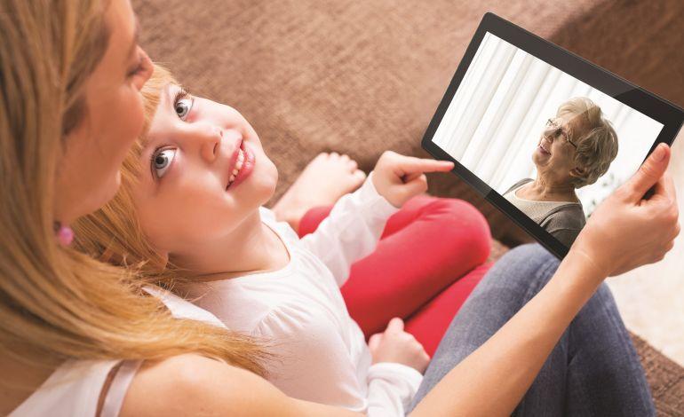 Tab 10 ile Annenizi Şık Tasarımlı Yüksek Teknoloji ile Tanıştırın