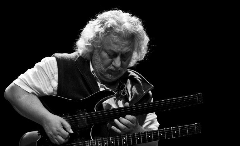 Erkan Oğur Quartet/ShahinNovrasTrio