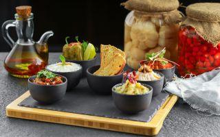 Meze ve Zeytinyağlı Severler İçin Carême Restaurant'tan Bir Lezzet Şöleni