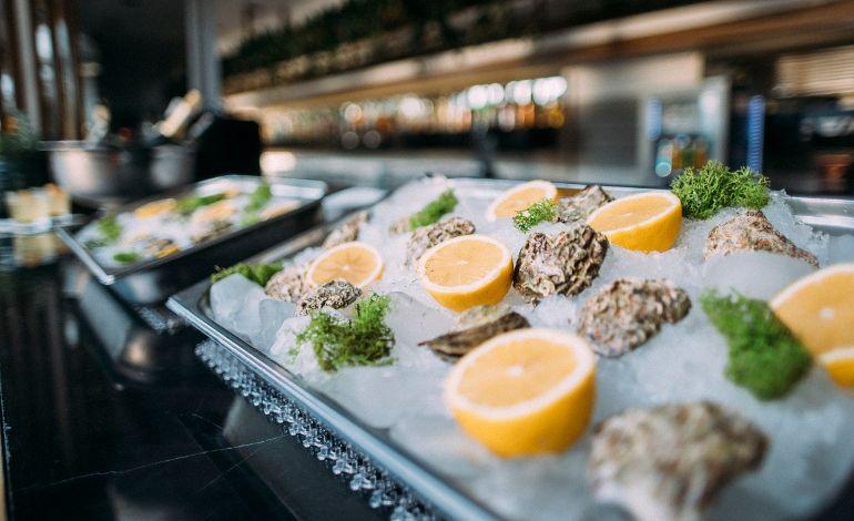Bar Mare: Boğaz'a Karşı Oyster Bar Keyfi