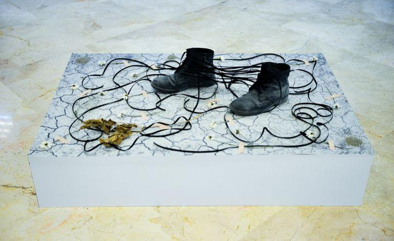 Mert Öztekin - Bir Çift Ayakkabı
