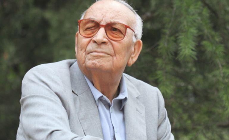Anılarla ve Fotoğraflarla Yaşar Kemal
