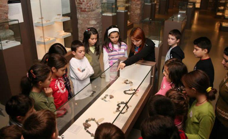 Küçük Arkeologlar Müzede