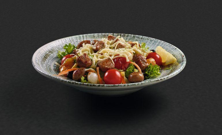 Akılalmaz Lezzeti Şimdi de Yeni Salatalarına Taşınıyor