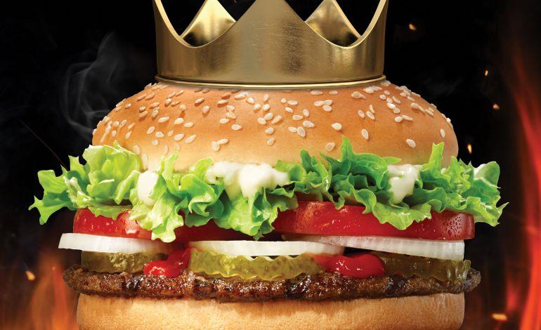 Dünya Hamburger Gününü Krallar Gibi Kutlayın