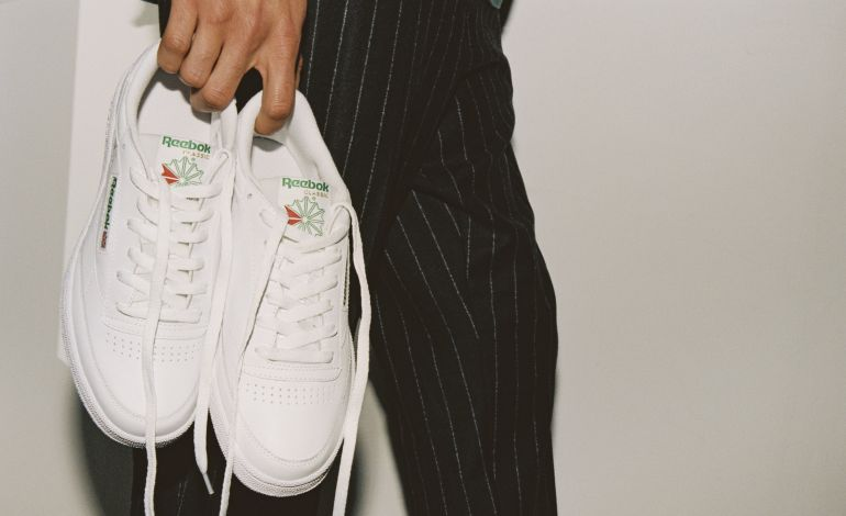 Beyaz Sneaker Alışverişinde Temizlik Paketi Hediye!