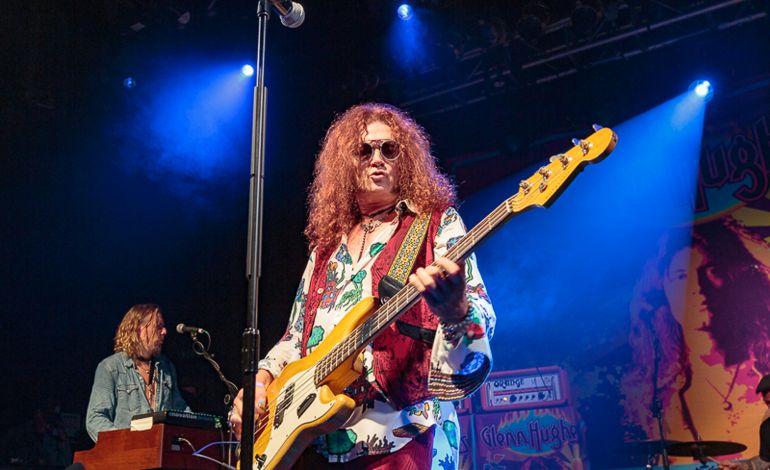 Glenn Hughes performs Deep Purple