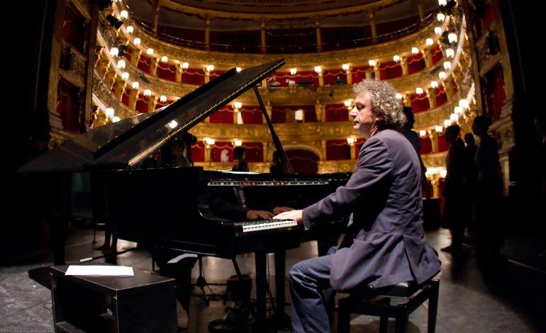 Neue! Step: Roberto Cacciapaglia