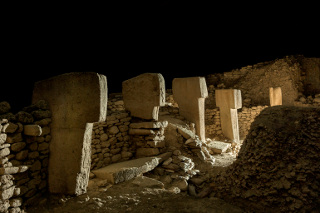 Oyuklar ve Höyükler: Göbekli Tepe'ye Bir Bakış Sergisi