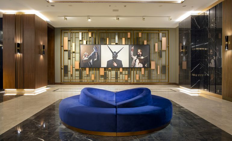 Mine Tudun'un Eserleri Hilton Maslak'ta