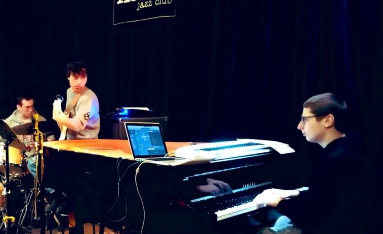 Cenk Esen Trio