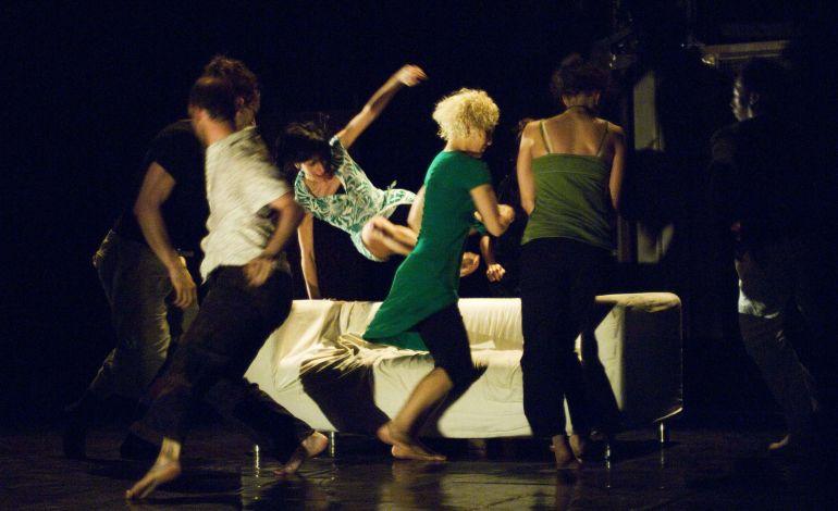 Çıplak Ayaklar'la Dans