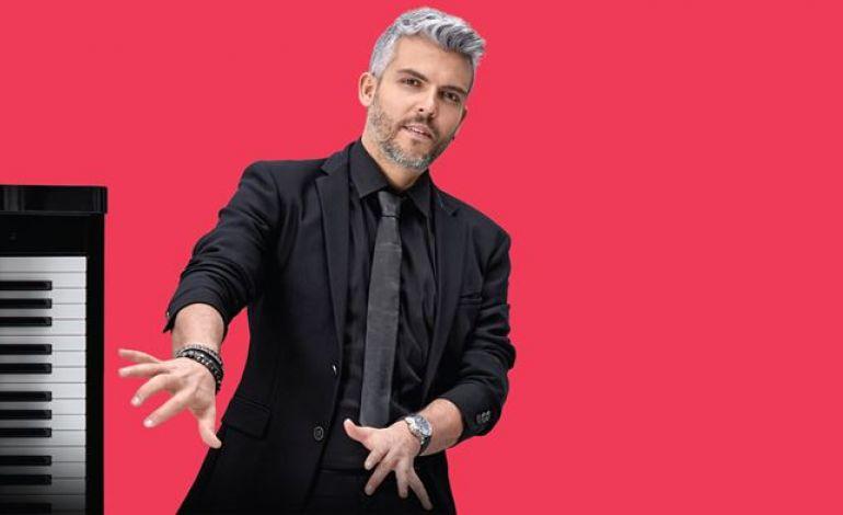 Emir Ersoy 'Rhythmic Hands'