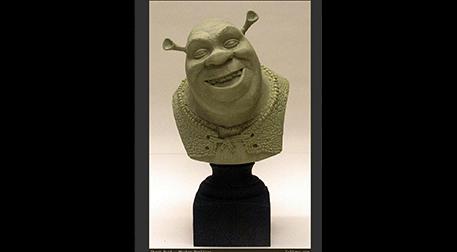 Masterpiece Maslak Heykel - Shrek