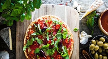 Pizza ve Salatalar
