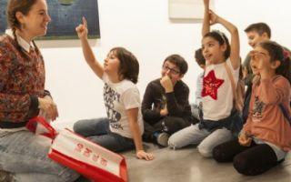"""""""Misafirler: Sanatçılar ve Zanaatkârlar Sergisine Paralel Eğitim Programı"""